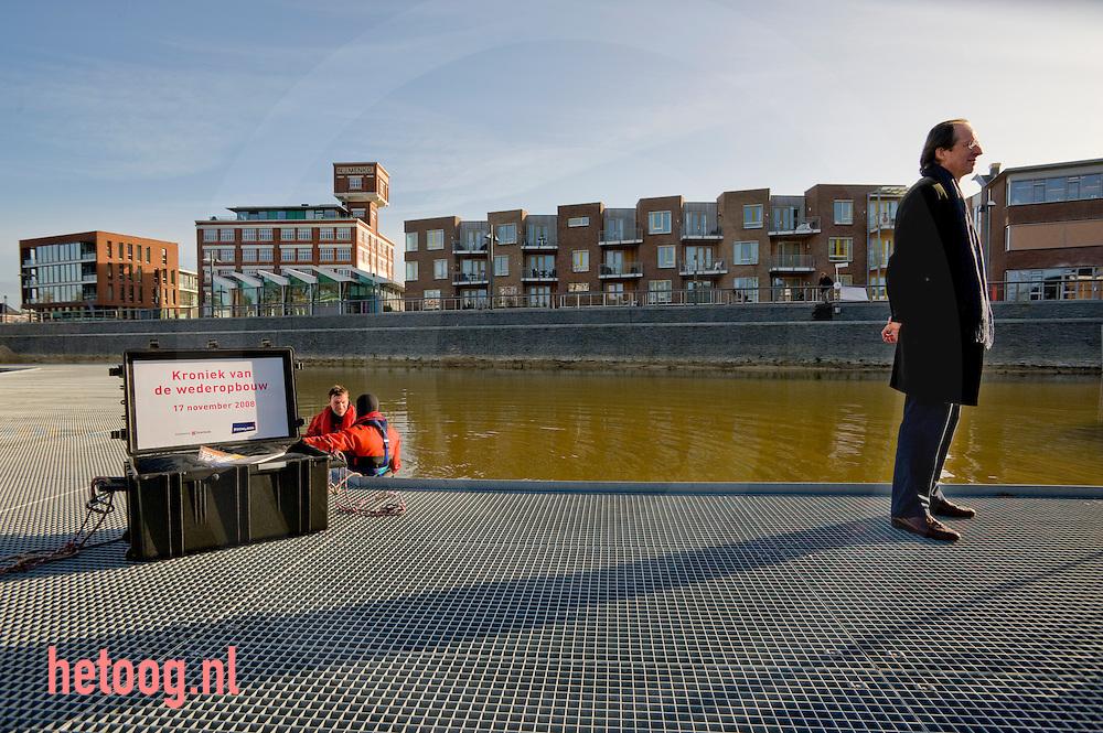 afzinken van de drie delen geschiedschrijving door colenbrander over de wederopbouw van de verdwenen wijk roombeek in enschede