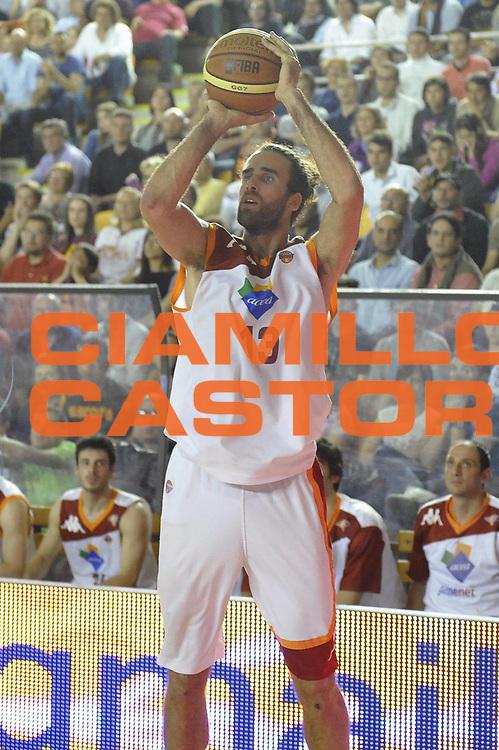 DESCRIZIONE : Roma Lega A 2012-2013 Acea Roma Lenovo Cantu playoff semifinale gara 5<br /> GIOCATORE : Luigi Datome<br /> CATEGORIA : Tiro<br /> SQUADRA : Acea Roma<br /> EVENTO : Campionato Lega A 2012-2013 playoff semifinale gara 5<br /> GARA : Acea Roma Lenovo Cantu<br /> DATA : 02/06/2013<br /> SPORT : Pallacanestro <br /> AUTORE : Agenzia Ciamillo-Castoria/GabrieleCiamillo<br /> Galleria : Lega Basket A 2012-2013  <br /> Fotonotizia : Roma Lega A 2012-2013 Acea Roma Lenovo Cantu playoff semifinale gara 5<br /> Predefinita :