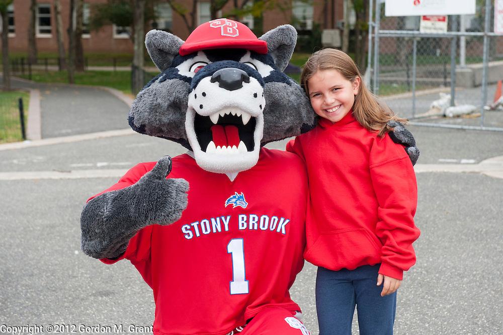 """Stony Brook, NY - 10/14/12 - Crohn's & Colitis Foundation's 2012 """"Take Steps"""" Walk held at Stony Brook University in Stony Brook, NY October 14, 2012.     (Photo by Gordon M. Grant / Stony Brook University)"""
