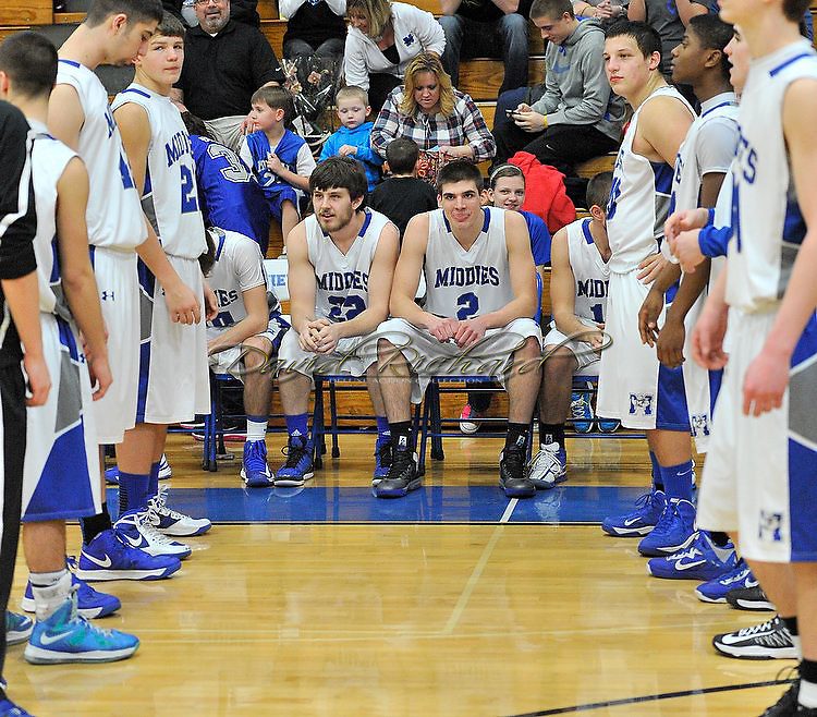 Lakewood at Midview boys varsity basketball on February 15, 2013. Images © David Richard and may not be copied, posted, published or printed without permission.