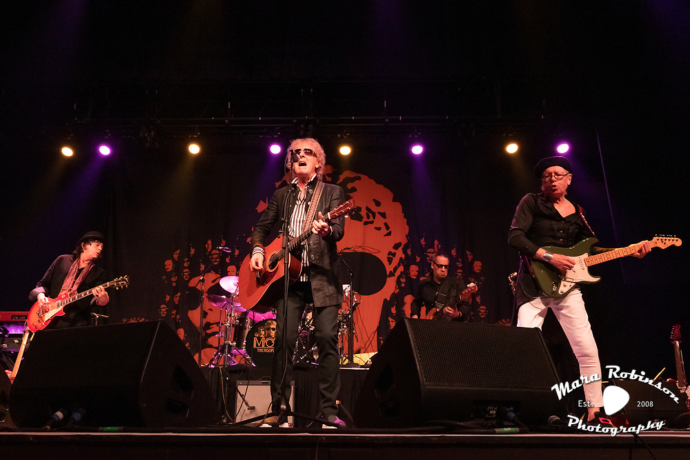 Mott The Hoople concert photography by Cleveland music photographer Mara Robinson