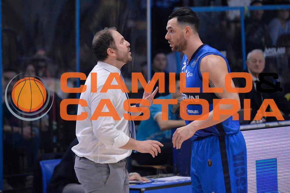 Andrea Diana, Christian Burns<br /> Vanoli Cremona - Germani Basket Brescia Leonessa<br /> Lega Basket Serie A 2016/2017<br /> Cremona, 09/04/2017<br /> Foto M.Ceretti / Ciamillo - Castoria