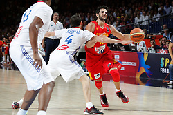 10.09.2014, Palacio de los deportes, Madrid, ESP, FIBA WM, Frankreich vs Spanien, Viertelfinale, im Bild Spain´s Ricky Rubio (R) and France´s Diaw and Heurtel // during FIBA Basketball World Cup Spain 2014 Quarter-Final match between France and Spain at the Palacio de los deportes in Madrid, Spain on 2014/09/10. EXPA Pictures © 2014, PhotoCredit: EXPA/ Alterphotos/ Victor Blanco<br /> <br /> *****ATTENTION - OUT of ESP, SUI*****