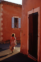 Walking in Roussillon, Provence