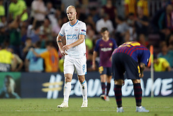 (l-r) Jorrit Hendrix of PSV, Lionel Messi of FC Barcelona during the UEFA Champions League group B match between FC Barcelona and PSV Eindhoven at the Camp Nou stadium on September 18, 2018 in Barcelona, Spain.