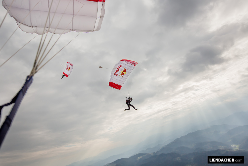 Marco Waltenspiel and Georg Lettner are flying the canopies over Slovenj Gradec.<br /> These were my very first photo-jumps during a training camp with the Team