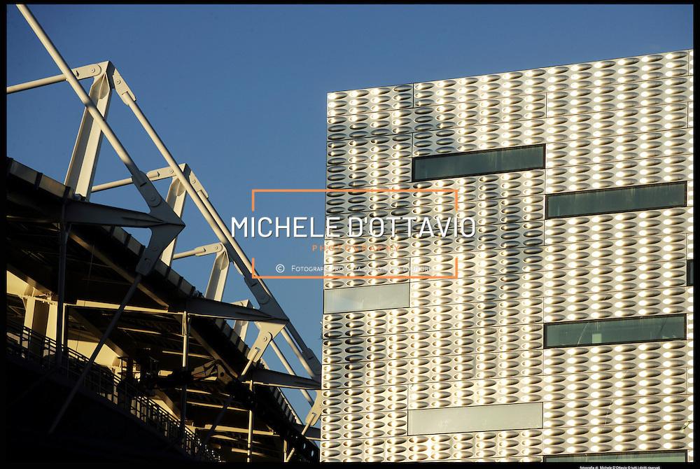 Torino architettura olimpica..palaolimpico Isozaki ....
