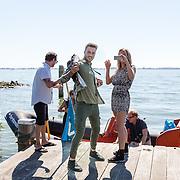 NLD/Muiden/20160825 - Perspresentatie deelnemers Expeditie Robinson 2016, Dennis Weening en Nicolette Kluijver en Dave Roelvink