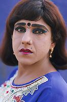 Pakistan - Hijra, les demi-femmes du Pakistan - Sara // Pakistan. Punjab province. Hijra, the half woman of Pakistan. Sara // Pakistan. Punjab province. Hijra, the half woman of Pakistan