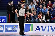 DESCRIZIONE : Pesaro Lega A 2015-16 Consultinvest Pesaro - Obiettivo Lavoro Bologna<br /> GIOCATORE : arbitro<br /> CATEGORIA : arbitro<br /> SQUADRA : arbitro<br /> EVENTO : Campionato Lega A 2015-2016<br /> GARA : Consultinvest Pesaro - Obiettivo Lavoro Bologna<br /> DATA : 25/10/2015<br /> SPORT : Pallacanestro <br /> AUTORE : Agenzia Ciamillo-Castoria/GiulioCiamillo<br /> Galleria : Lega Basket A 2015-2016 <br /> Fotonotizia : Pesaro Lega A 2015-16 Consultinvest Pesaro - Obiettivo Lavoro Bologna<br /> Predefinita :