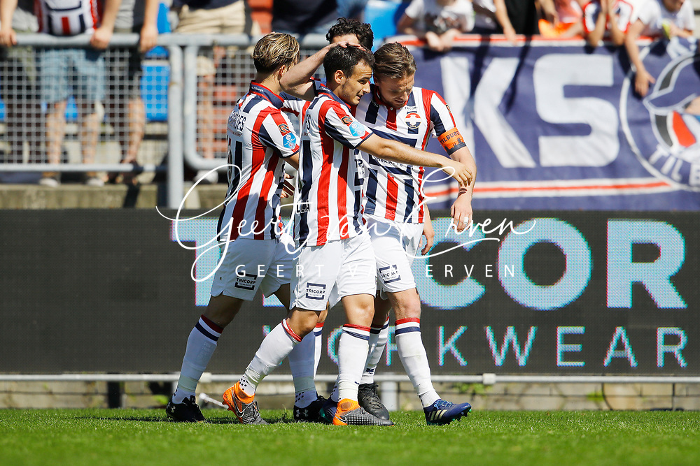 *Ben Rienstra* of Willem II celebrates 2-1 with *Pedro Chirivella* of Willem II