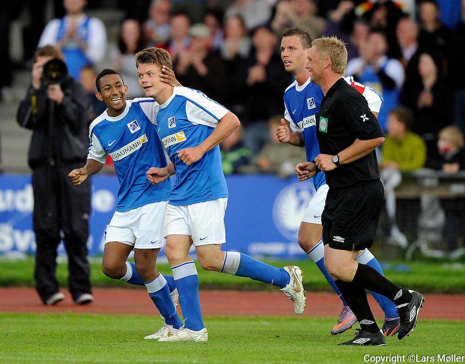DK:<br /> 20100620, Lyngby, Danmark:<br /> Fodbold Viasat division, Lyngby-Vejle:<br /> Emil Larsen, Lyngby Boldklub.<br /> Foto: Lars M&oslash;ller<br /> UK: <br /> 20100620, Lyngby, Danmark:<br /> Fodbold Viasat division, Lyngby-Vejle:<br /> Emil Larsen, Lyngby Boldklub.<br /> Photo: Lars Moeller