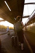 Kvinna p&aring; perrong.<br /> <br /> Foto: Christina Sj&ouml;gren
