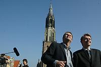 Nederland. Delft, 11 oktober 2002.<br />SPELLING CONRTOLEREN!!!!!!!!!<br />Jan de Roode en Mike van Breem geven leiding aan de organisatie van de televisie-uitzending van de begrafenis van prins Claus.<br />(interview Jean-Pierre Geelen)<br /><br />Foto Martijn Beekman<br /><br />NIET BESTEMD VOOR TROUW,AD,PAROOL,TELEGRAAF EN NRC