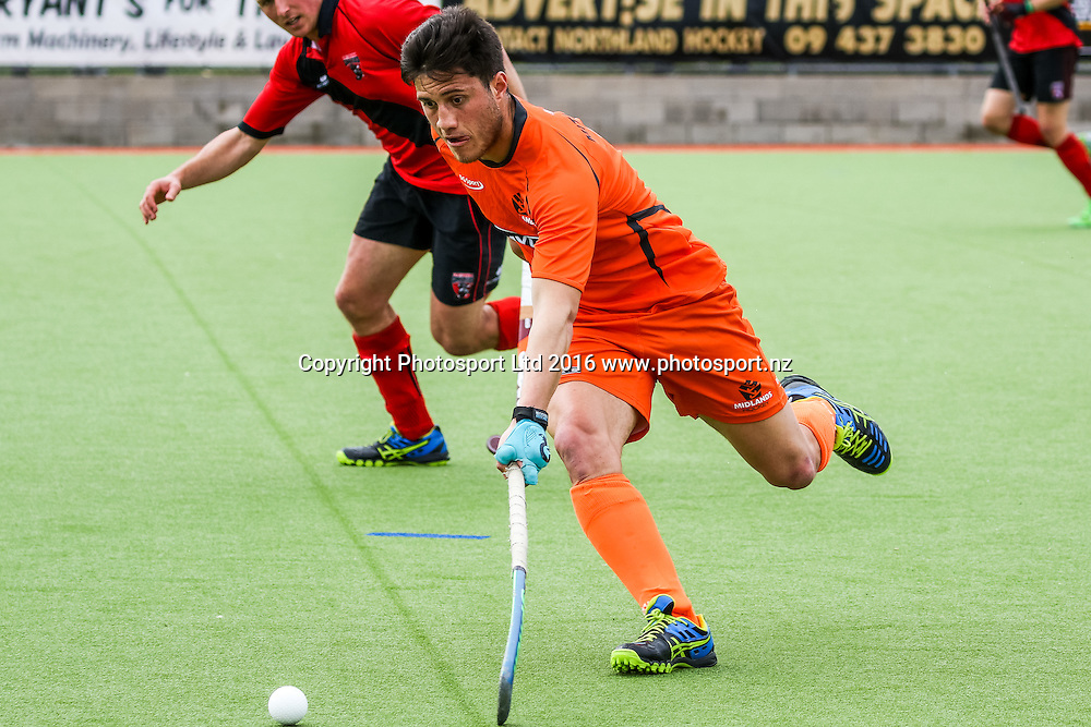 Midlands Leo Mitai-Wells in action. Midlands v Canterbury Men, FORD National Hockey League, ITM Hockey Centre, Whangarei, New Zealand. Friday 16 September, 2016. Copyright photo: Heath Johnson / www.photosport.nz