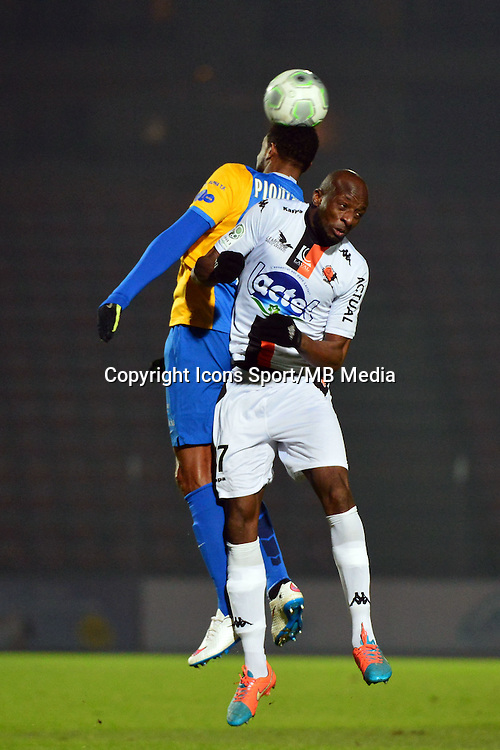 Djibril KONATE / Frederic PIQUIONNE - 23.01.2015 - Creteil / Laval - 21eme journee de Ligue 2<br /> Photo : Dave Winter / Icon Sport