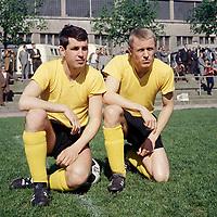 BILDENE INNGÅR IKKE I FASTAVTALENE PÅ NETT<br /> <br /> Fotball<br /> Tyskland<br /> Borussia Dortmund Feature<br /> Foto: imago/Digitalsport<br /> NORWAY ONLY<br /> <br /> 30.07.1966<br /> Sigfried Held (re.) und Lothar Emmerich (beide BVB)