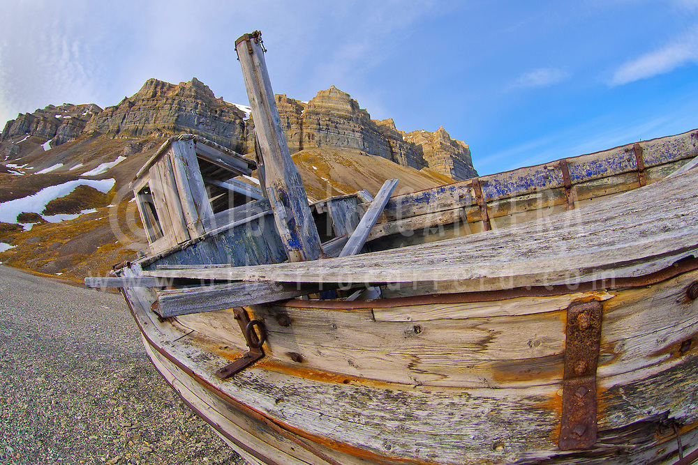Alberto Carrera, Ancient Remains, Old Boat, Cliffs of Skansen, Skansbukta, Billefjord, Arctic, Spitsbergen, Svalbard, Norway, Europe