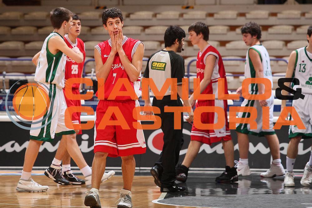 DESCRIZIONE : Bologna Basket For Life 2008 Torneo U15 Finale Acegas Aps Trieste Montepaschi Siena <br /> GIOCATORE : Nicholas Secchini <br /> SQUADRA : Acegas Aps Trieste <br /> EVENTO : Basket For Life 2008 <br /> GARA : Acegas Aps Trieste Montepaschi Siena <br /> DATA : 10/02/2008 <br /> CATEGORIA : Delusione  <br /> SPORT : Pallacanestro <br /> AUTORE : Agenzia Ciamillo-Castoria/S.Silvestri <br /> Galleria : Final Eight 2008 <br /> Fotonotizia : Bologna Basket For Life 2008 Torneo U15 Finale Acegas Aps Trieste Montepaschi Siena <br /> Predefinita :