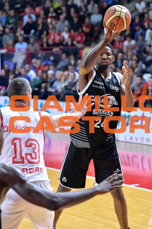 DESCRIZIONE : Varese Lega A 2014-15 Openjobmetis Varese vs Granarolo Bologna<br /> GIOCATORE : Gilichrist Augustus<br /> CATEGORIA : Passaggio<br /> SQUADRA : Granarolo Bologna<br /> EVENTO : Campionato Lega A 2014-2015 GARA : Openjobmetis Varese vs Granarolo Bologna<br /> DATA : 14/12/2014 <br /> SPORT : Pallacanestro <br /> AUTORE : Agenzia Ciamillo-Castoria/I.mancini<br /> Galleria : Lega Basket A 2014-2015 <br /> Fotonotizia : Openjobmetis Varese Lega A 2014-15 Openjobmetis Varese vs Granarolo Bologna<br /> Predefinita :