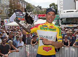 08.07.2017, Wels, AUT, Ö-Tour, Österreich Radrundfahrt 2017, Siegerehrung, im Bild Stefan Denifl (AUT, Team Aqua Blue Sport) im gelben Trikot // Stefan Denifl of Austria (Aqua Blue Sport) in the yellow jersey on Podium during winner ceremony for 2017 Tour of Austria. Wels, Austria on 2017/07/08. EXPA Pictures © 2017, PhotoCredit: EXPA/ Reinhard Eisenbauer