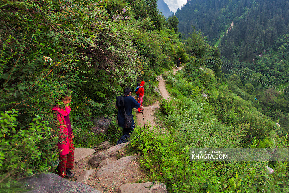 The path to Kheerganga from Barshaini. Pictures from the Parvati valley in Kullu, Himachal Pradesh, India