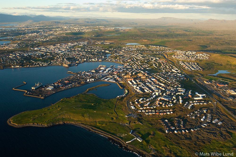 Hafnarfjörður til norðurs / Hafnarfjordur viewing north