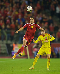 BRUSSELS, BELGIUM - Sunday, November 16, 2014: Belgium's Eden Hazard in action against Wales' Chris Gunter during the UEFA Euro 2016 Qualifying Group B game at the King Baudouin [Heysel] Stadium. (Pic by David Rawcliffe/Propaganda)