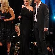 NLD/Weesp/20070312 - 2e Live uitzending Just the Two of Us, Bartina Koeman - Borderveld en Rene van Kooten, Linda de Mol