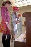 Her Majesty the queen was Wednesday 17 May present at the start of the jubilee programme on the occasion of the 50 year old existence of Singer Laren. The queen performs this day the official opening of the renewed garden room of the museum and she visits the jubilee at tone interview Singer Laren live ones!<br /> <br /> Hare Majesteit de Koningin was woensdag 17 mei aanwezig bij de start van het jubileumprogramma ter gelegenheid van het 50-jarig bestaan van Singer Laren. De Koningin verricht deze dag de offici&euml;le opening van de vernieuwde tuinzaal van het museum en zij bezichtigt de jubileumtentoonstelling Singer Laren Live!<br /> <br /> <br />  On the photo / Op de foto : The Queen visits one of the exibitions room made by childeren / De koningin bezoekt een van de kamers door kinderen ingericht
