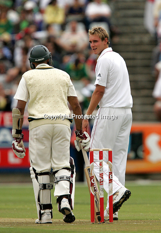 Stuart Broad has words with Hashim Amla after he survives a referred decision during the 1st day of the third test match between South Africa and England held at Newlands Cricket Ground in Cape Town on the 3rd  January 2010.Photo by: Ron Gaunt/ SPORTZPICS
