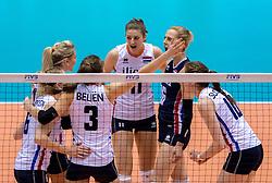 17-05-2016 JAP: OKT Thailand - Nederland, Tokio<br /> Nederland verslaat Thailand met klinkende cijfers 3-0 en is weer op koers voor Rio / Vreugde bij Nederland met Anne Buijs #11, Debby Stam-Pilon #16