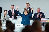 07 DEC 2018, HAMBURG/GERMANY:<br /> Angela Merkel, CDU, Bundeskanzlerin, nach Ihrer letzten Rede als Parteivorsitzende, unten links: Annegret Kramp-Karrenbauer, CDU Generalsekretaerin, unten rechts: Volker Bouvier, CDU, Ministerpraesident Hessen, hinten v.L.n.R.: Dr. Roland Heintze, CDU Landesvorsitzender Hamburg, Daniel Guenther, CDU, Ministerpraesident Schleswig-Holstein, CDU Bundesparteitag, Messe Hamburg<br /> IMAGE: 20181207-01-087<br /> KEYWORDS: party congress, Appluas, applaudiren, klatschen, Jubel, Daniel G&uuml;nther
