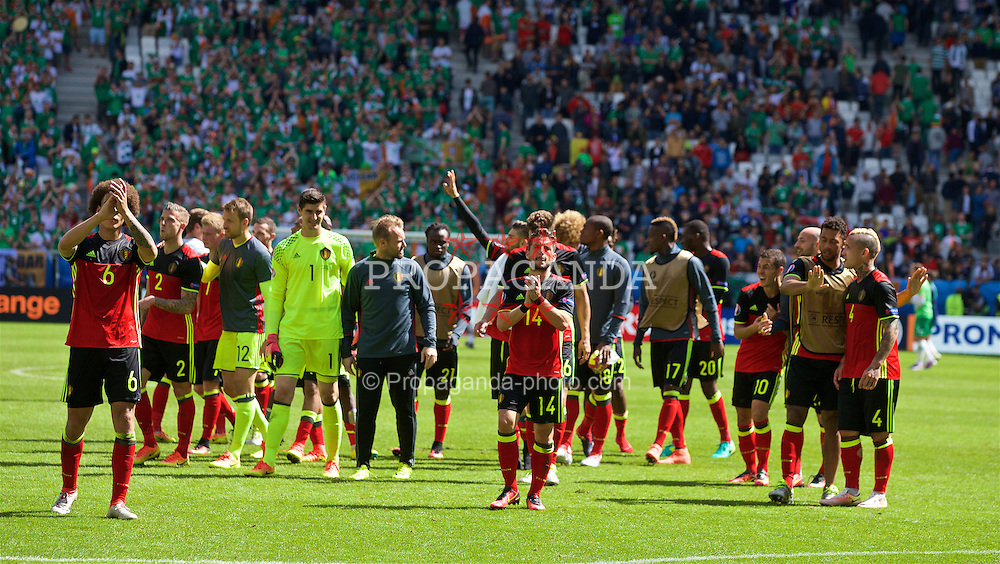 BORDEAUX, FRANCE - Saturday, June 18, 2016: Belgium's players applaud supporters after the UEFA Euro 2016 Championship Group E match against the Republic of Ireland at Stade de Bordeaux. (Pic by Paul Greenwood/Propaganda)