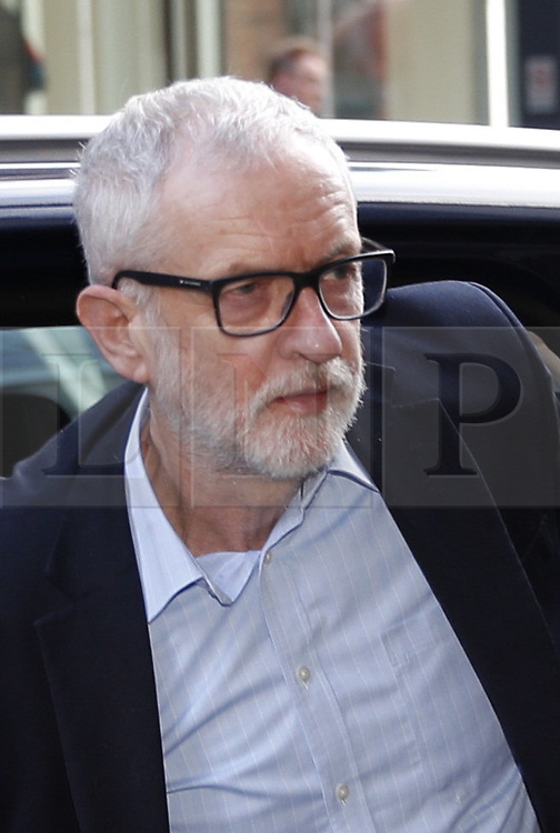 © Licensed to London News Pictures. 06/01/2020. London, UK. Out going Labour Party Leader Jeremy Corbyn arrives at party headquarters in central London. A National Executive Committee meeting is being held today to decide on processes and timing of the leadership contest to replace Jeremy Corbyn. Photo credit: Peter Macdiarmid/LNP