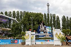 BLOOMBERG Georgina (USA), Crown 5<br /> Berlin - Global Jumping Berling 2018<br /> CSI5* Preis der Deutsche Vermögensberatung<br /> 1. Wertung für Global Champions League<br /> 27. Juli 2018<br /> © www.sportfotos-lafrentz.de/Stefan Lafrentz