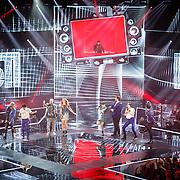 NLD/Hilversum/20160109 - 4de live uitzending The Voice of Holland 2015, optreden van Hardwell, Robert van der Corput