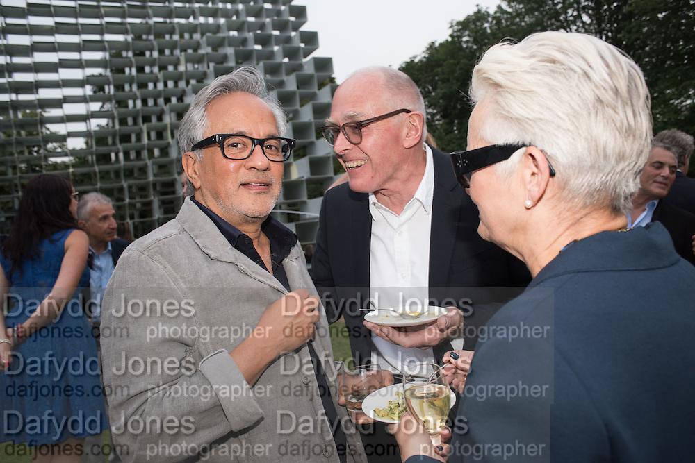 ANISH KAPOOR; RICHARD WENTWORTH; JANE WENTWORTH, 2016 SERPENTINE SUMMER FUNDRAISER PARTY CO-HOSTED BY TOMMY HILFIGER. Serpentine Pavilion, Designed by Bjarke Ingels (BIG), Kensington Gardens. London. 6 July 2016