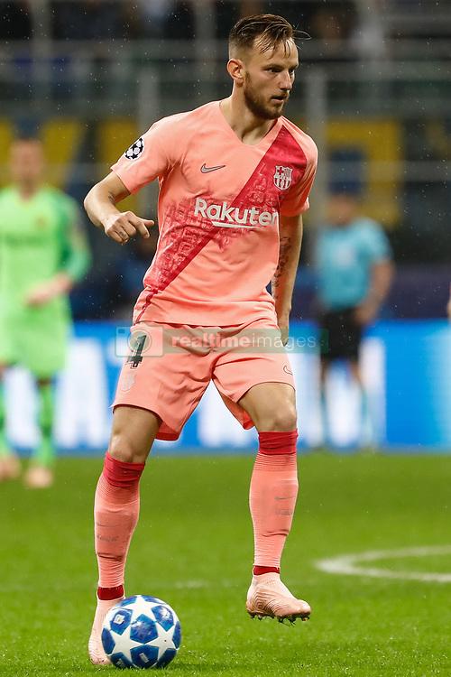 صور مباراة : إنتر ميلان - برشلونة 1-1 ( 06-11-2018 )  20181107-zaa-n230-027