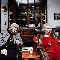 Nederland, Bosch en Duin , 7 november 2012..Overlevenden van de 2e Wereldoorlog die ook nog de Kristallnacht hebben meegemaakt,Ruth Wallage-Binheim (r) en links verzetsstrijdster Hebe Kohlbrugge.Two survivers of World War II Ruth Wallage-Binheim (r) and Hebe Kohlbrugge (l)