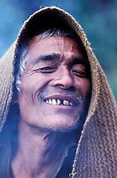 Nepal - Récolte du miel chez les Gurung - Népal Central