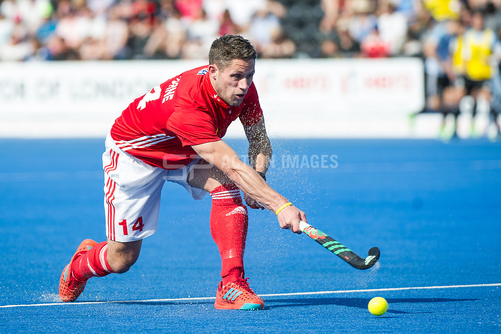 England's Mark Gleghorne. England v Argentina - Hockey World League Semi Final, Lee Valley Hockey and Tennis Centre, London, United Kingdom on 18 June 2017. Photo: Simon Parker