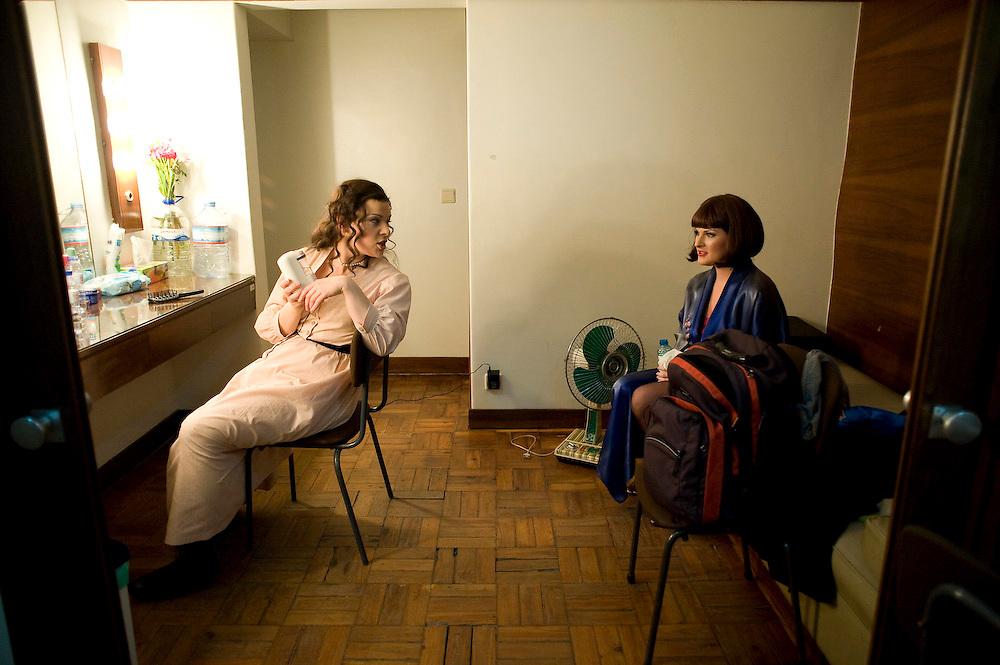 """At the backstage of the """"La Boheme"""" production at Sao Carlos opera house in Lisbon. Nos bastidores da produção de """"La Boheme"""". Teatro Nacional de São Carlos"""