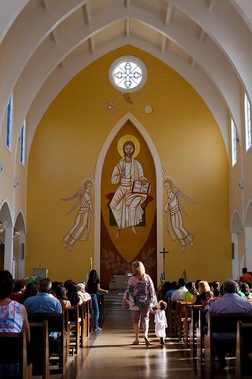 Passos_MG, Brasil...Celebracao religiosa na Igreja da Penha em Passos...Religious celebration in Penha church in Passos...Foto: LEO DRUMOND / NITRO