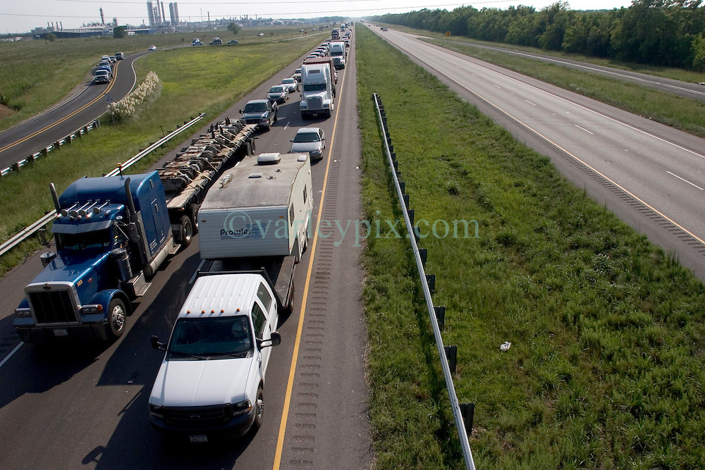 22 Sept 2005. New Orleans, Louisiana.  Hurricane Rita evacuation. <br /> Traffic backs up on the east bound Interstate 10 outside Beaumont near the Texas/louisiana border as residents ironically flee toward New Orleans away from the projected path of Hurricane Rita.<br /> Photo; &copy;Charlie Varley/varleypix.com