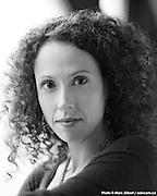 Portrait de Nathalie Baroud à  Studio / Montreal / Canada / 2011-10-03, © Photo Marc Gibert / adecom.ca