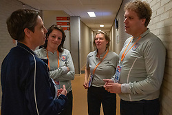 30-05-2019 NED: Volleyball Nations League Netherlands - Poland, Apeldoorn<br /> Referees, line judges