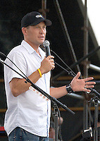 Lance Armstrong Concert to thank Austin for support.