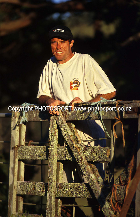 New Zealand athletics, Rod Dixon during a photoshoot, Pakiri, 1995. Photo: Andrew Cornaga/PHOTOSPORT
