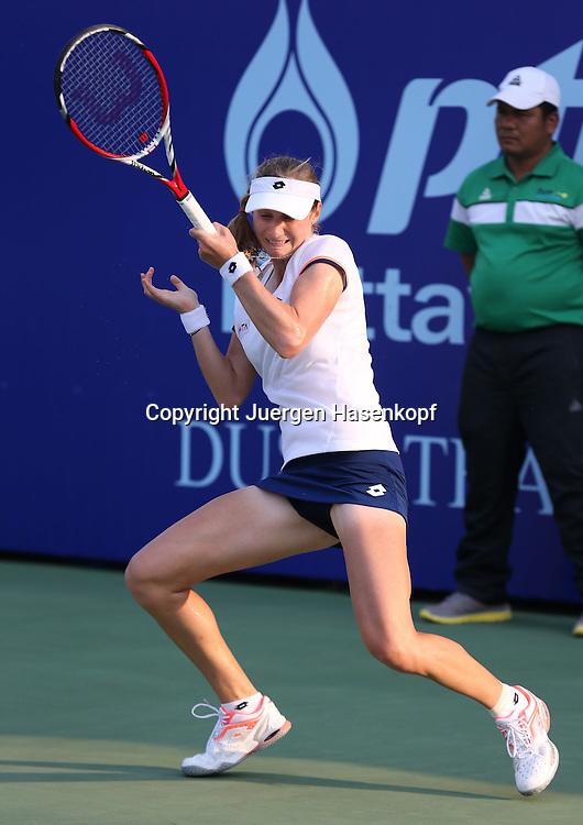 PTT Pattaya Open 2014,WTA Tennis Turnier,<br />  International Series, Dusit Resort in Pattaya,<br /> Thailand , Ekaterina Makarova (RUS),Aktion,Einzelbild,<br /> Ganzkoerper,Hochformat,